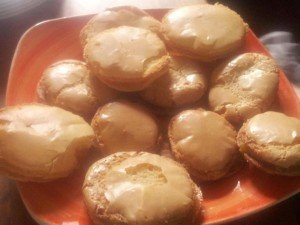 Macarons au citron 3594_4668283394605_1565449046_n-300x225